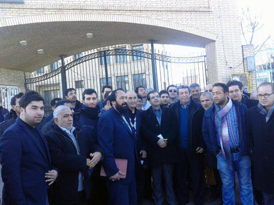 حضور پرشمار هواداران مهندس آذروش در روز ثبت نام